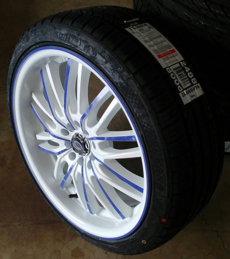 White Diamond 3108 mounted on 215/40R18 Nankang NS-25