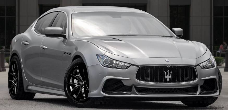 Maserati on Lexani R-12 Satin Black Center with Gloss Black Lip