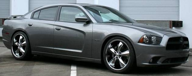 Dodge Charger on Foose Legend F105 Chrome Wheels 22x9 Front, 22x10.5 Rear